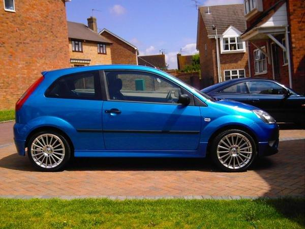 Fiesta Mk6 1.4 Zetec with EGR Bodykit and TSW rims